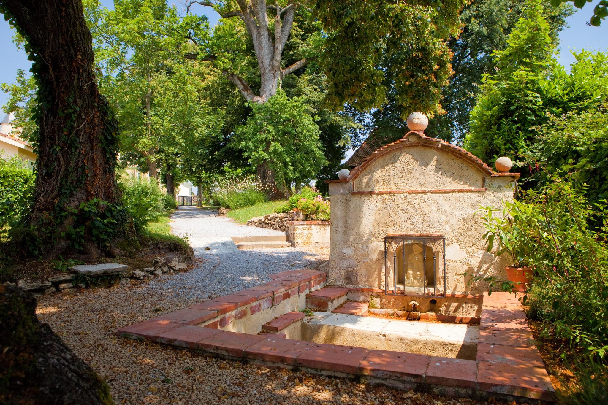 Patrimoine-Saubion-Fontaine St Roch