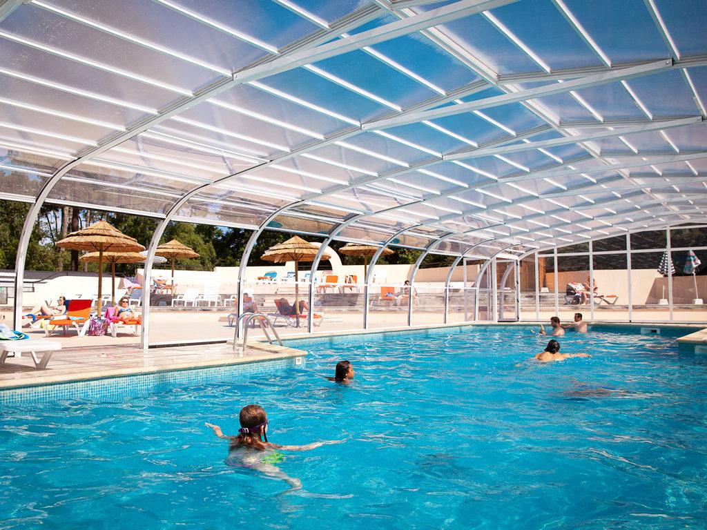 02-camping-le-boudigau-landes-piscine-couverte