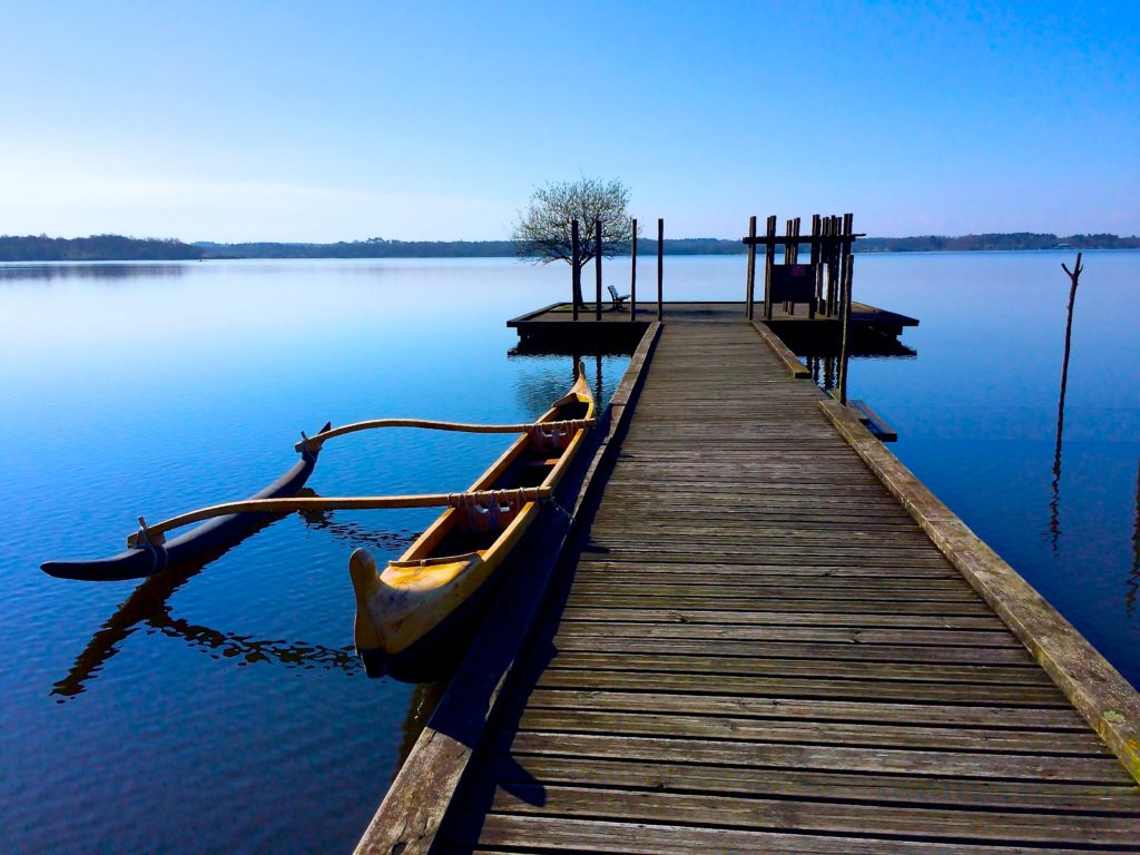 Blue-ponton-pirogue-arrimage