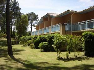 Domaine-du-Golf-de-Pinsolle-Soustons-Pierre-et-Vacances-Appartements-balcons