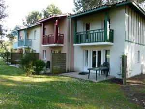 Domaine-du-Golf-de-Pinsolle-Soustons-Pierre-et-Vacances-appartements-jardin