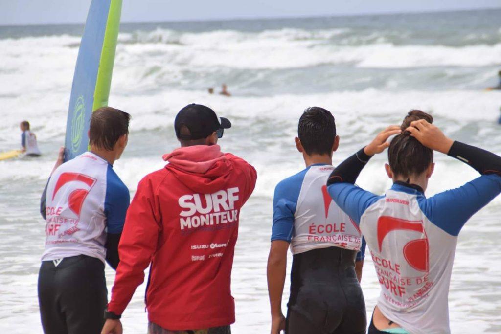 ECOLE-DE-SURF-2–1-