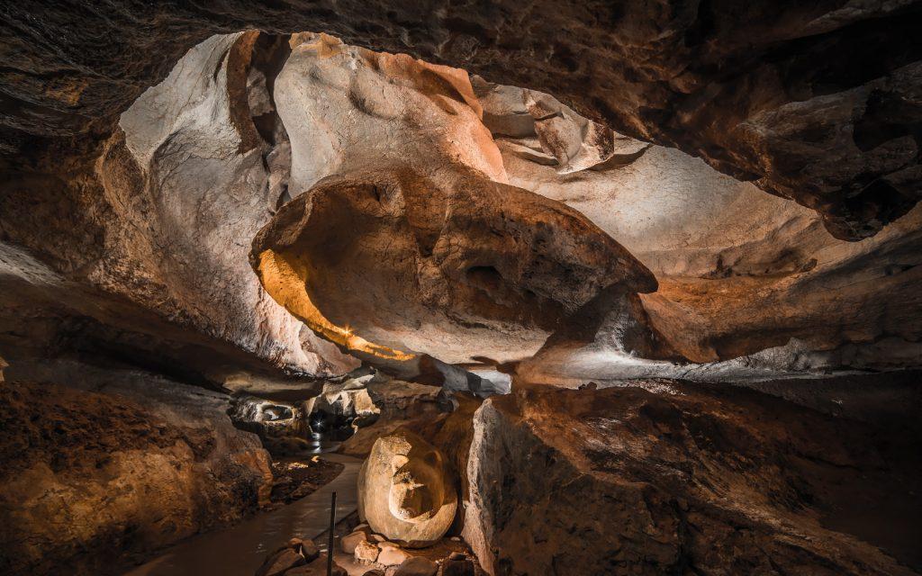 Grottes Sare interieur2 1440×900