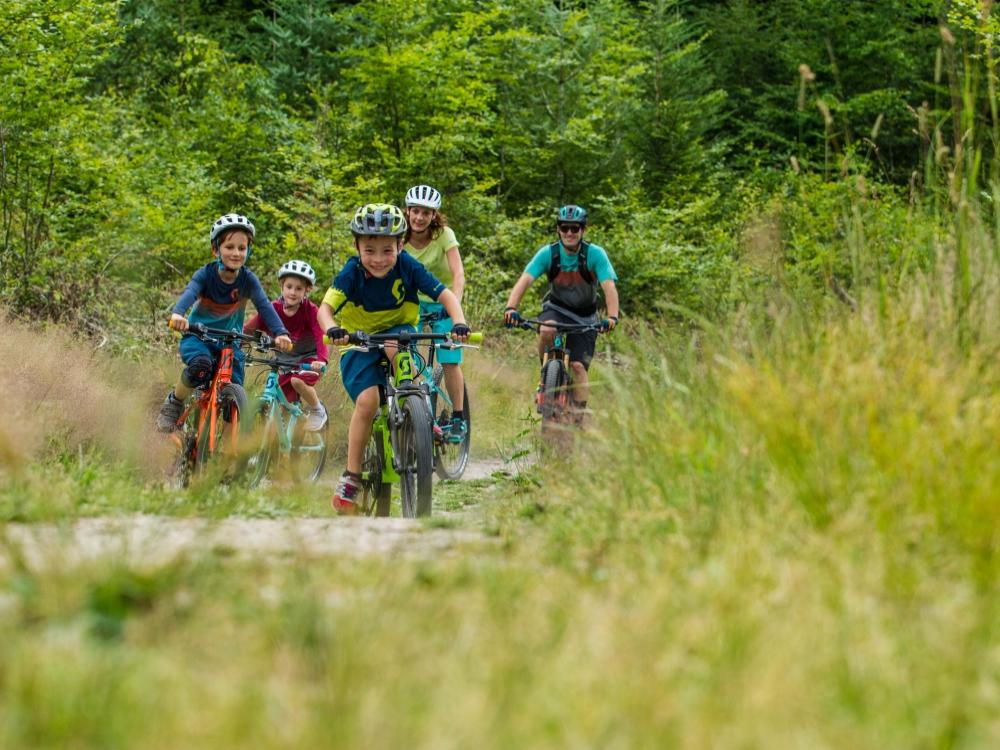 Kids-shooting-SCOTT-Sports-bike-2018-Action-Picture-Jochen-HaarIMG-5266