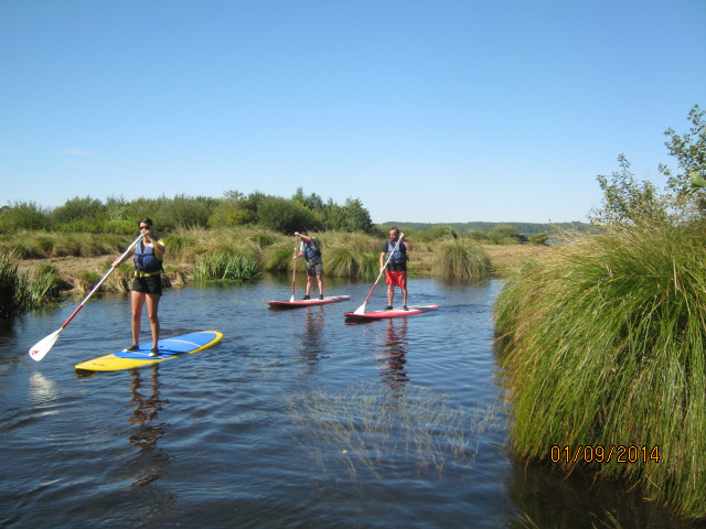 LEON-Canoe-surfing–5-