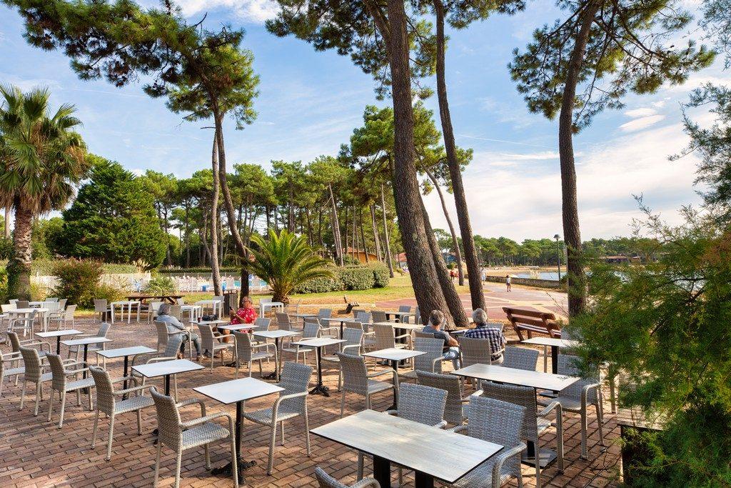 Soustons-Pignada-Terrasse-Restaurant@P.ESCUDIE