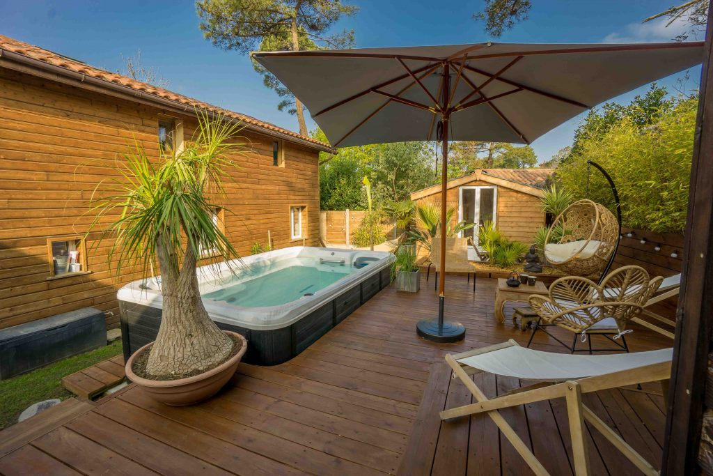 WOOD-N-SEA-SURF-LODGE-CAPBRETON–11-