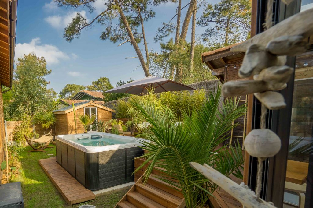 WOOD-N-SEA-SURF-LODGE-CAPBRETON–17-