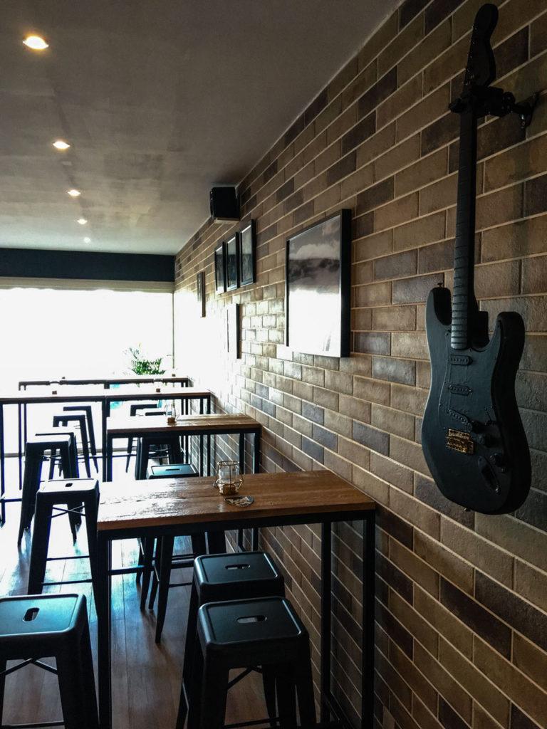 bar-wall