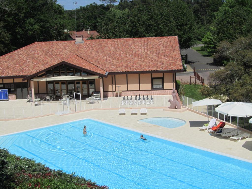 piscine residence messanges
